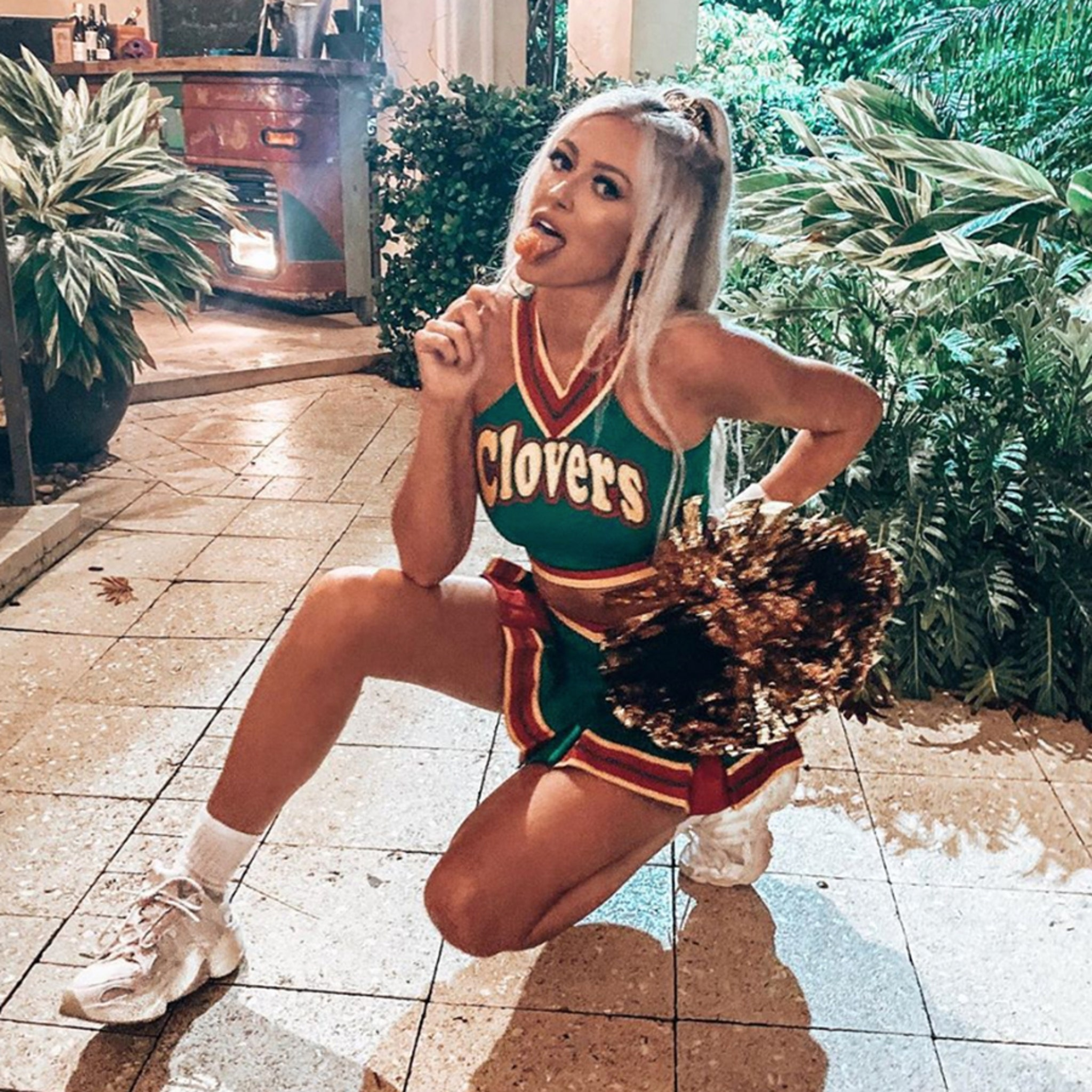 Paulina Gretzky Rocks Tiny Cheerleader Outfit For Halloween, Bring It On!