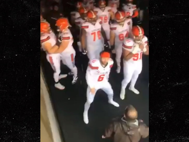 Baker Mayfield Claps Back At Hecklers, 'Come Say That To My Face!' - EpicNews