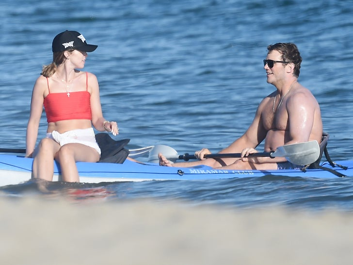 Chris Pratt, Katherine Schwarzenegger Join Rob Lowe for Paddleboarding