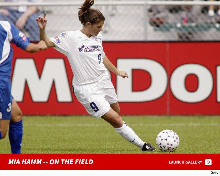 Mia Hamm On The Field