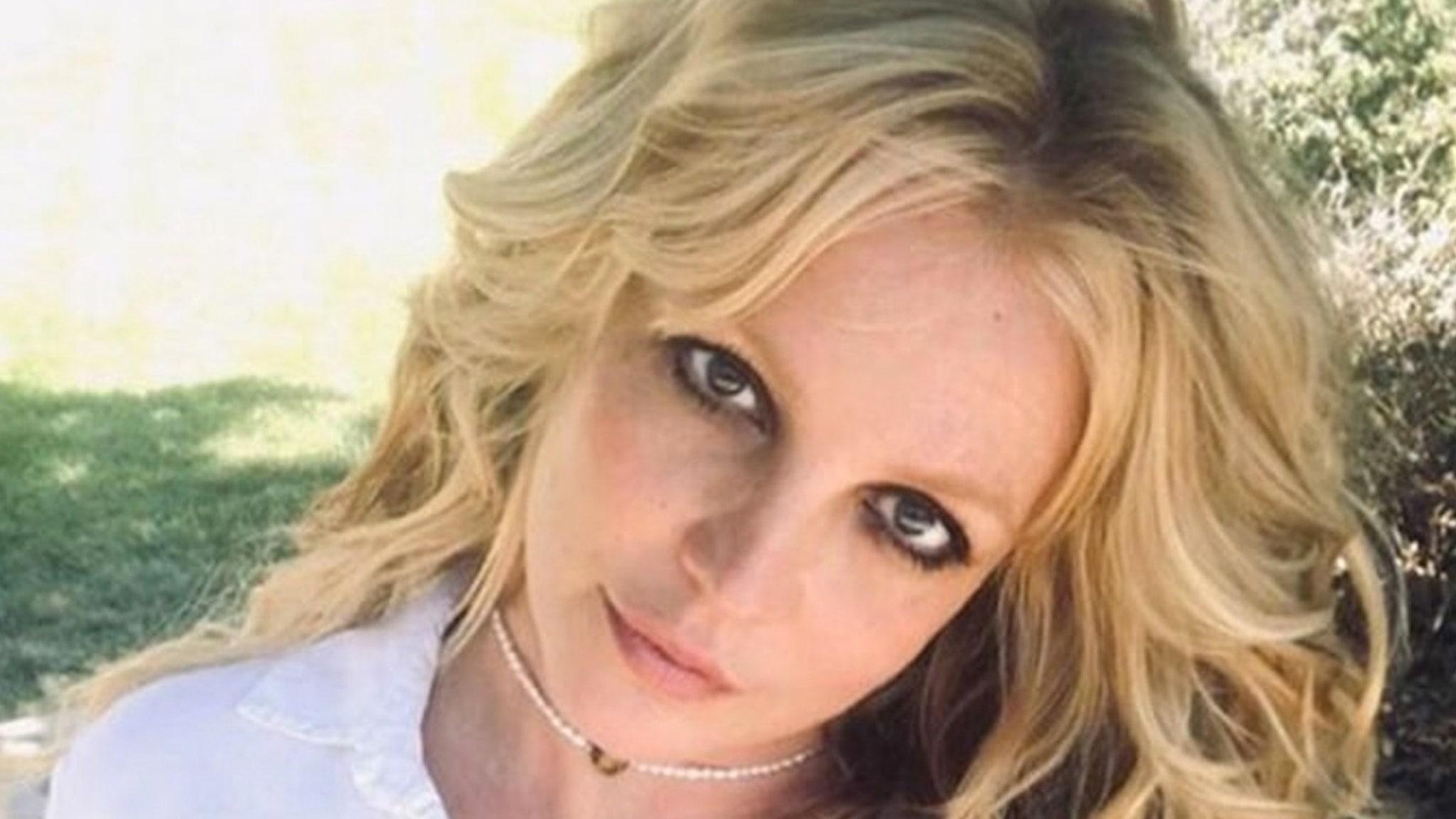 Britney Spears nghỉ hưu khỏi âm nhạc, quản lý Larry Rudolph nói từ chức