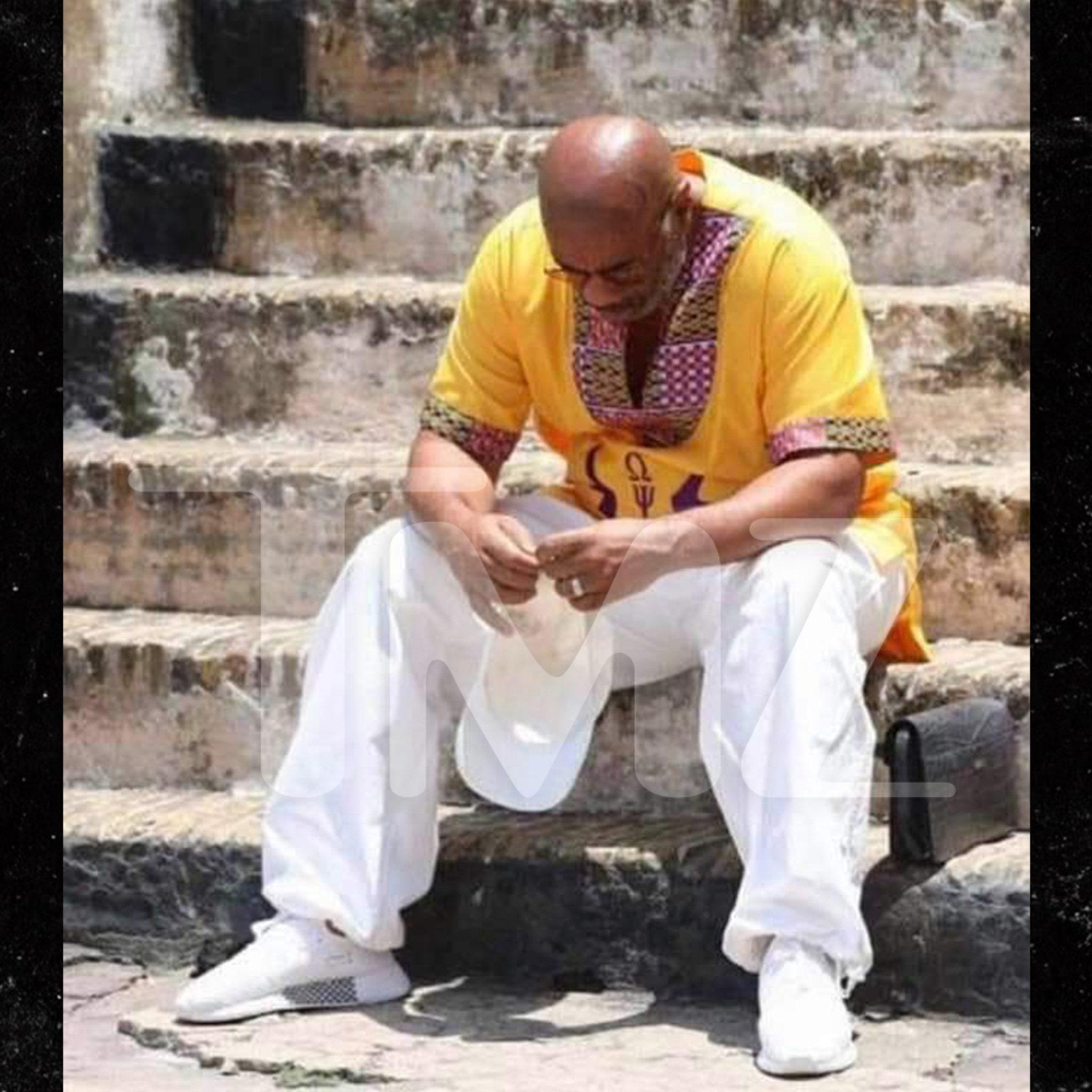 Steve Harvey Breaks Down in Tears Visiting Ghana's Elmina Slave Trade Castle