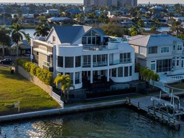 Tom Brady Closing In On Tampa Area Mansion