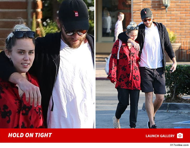 Miley Cyrus and Liam Hemsworth - Hold On Tight