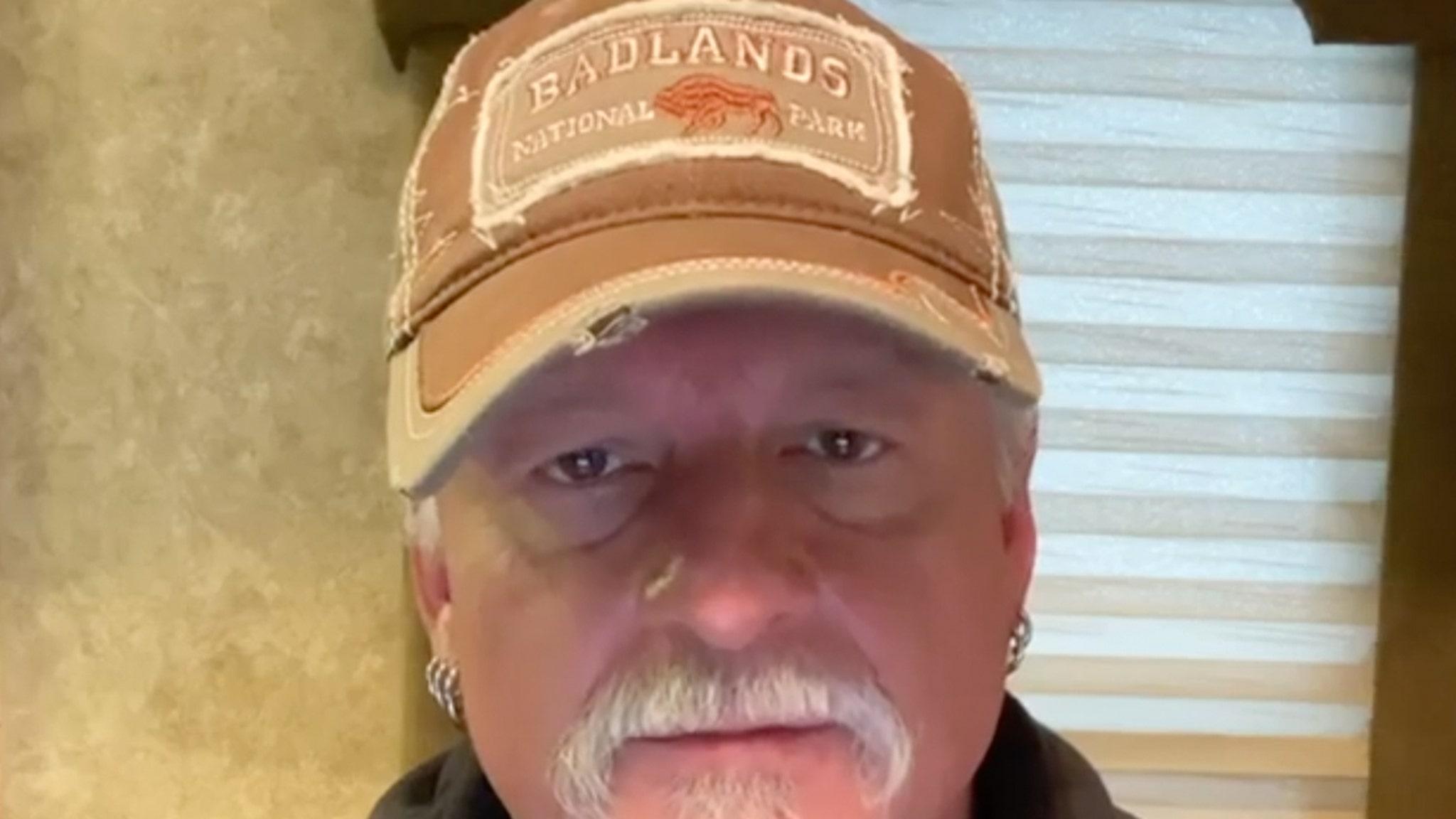 Джон Шаффер из Iced Earth арестован из-за мятежа Капитолия, который якобы использовал медвежий аэрозоль на полицейских