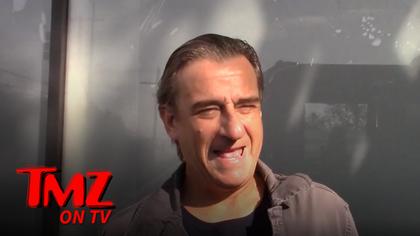 The TMZ Celebrity Tour Meets the Fake De Niro   TMZ TV.jpg