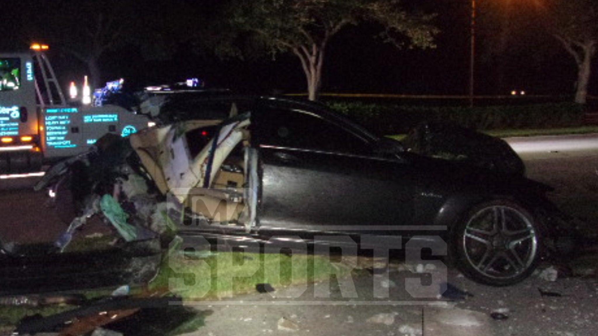 Ex-NFL Star Deltha O'Neal DUI Case Crash Pics Show Insanely Mangled Mercedes