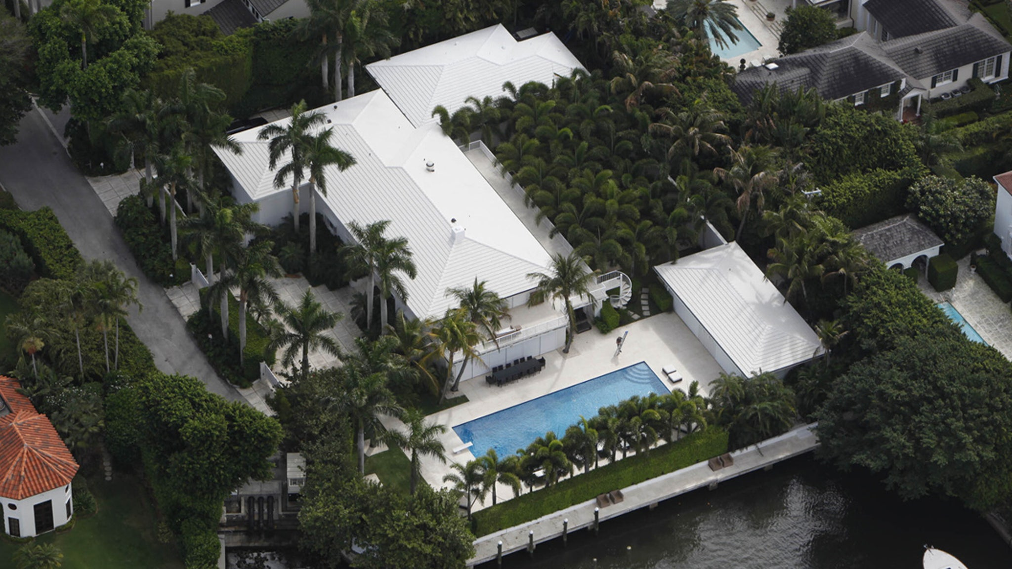 Jeffrey Epstein Palm Beach Pad Will Be Demolished