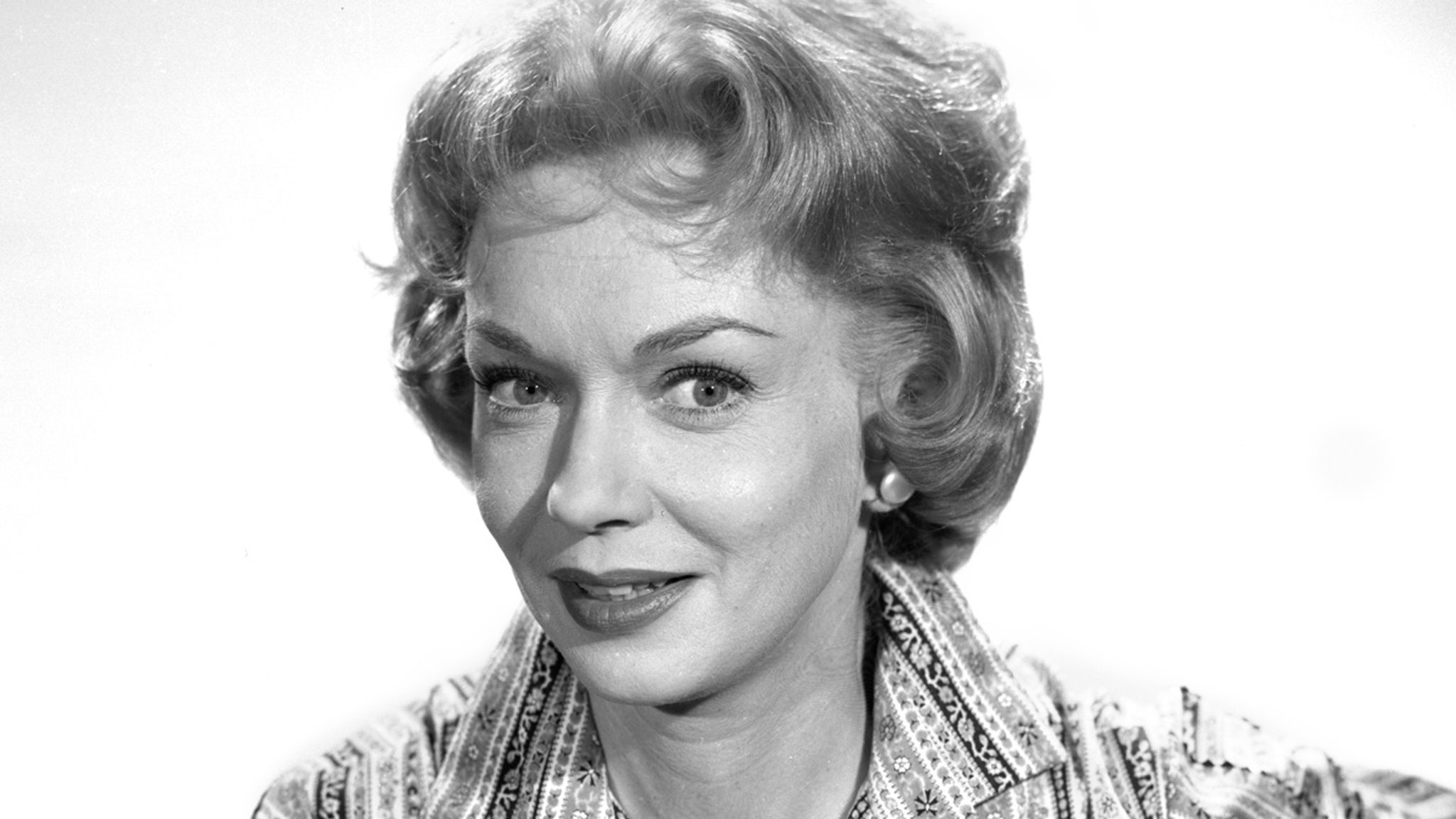 Gloria Henry of 'Dennis the Menace' Fame Dead at 98 thumbnail