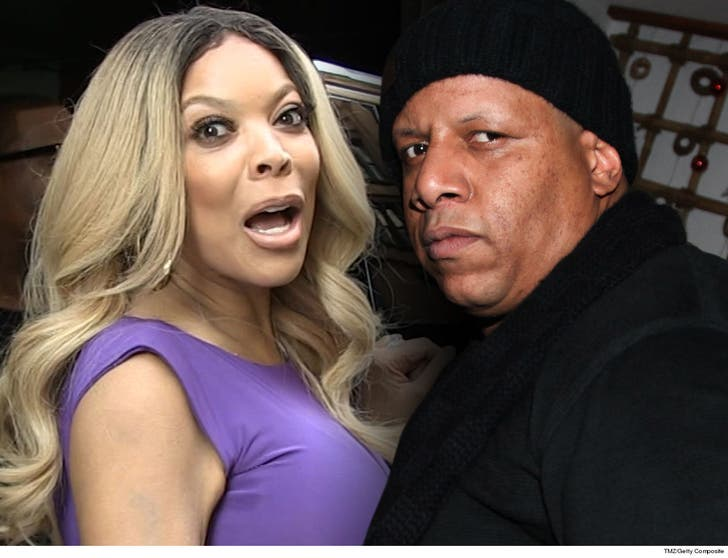 Christmas Abbott Married.Wendy Williams Husband Still On Set Despite Alleged