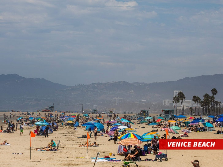 San Diego Beaches Packed During Coronavirus Heatwave