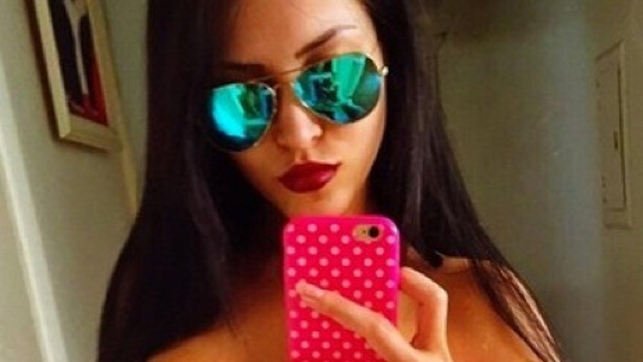 Instagrams Claudia Alende -- Brazils Sexy Megan Fox Doppelgnger-8167