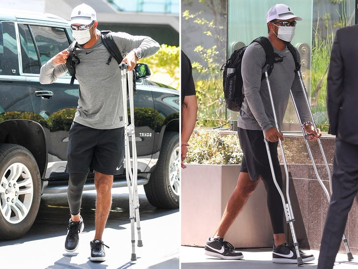 Tiger Woods Puts Weight On Surgically Repaired Leg