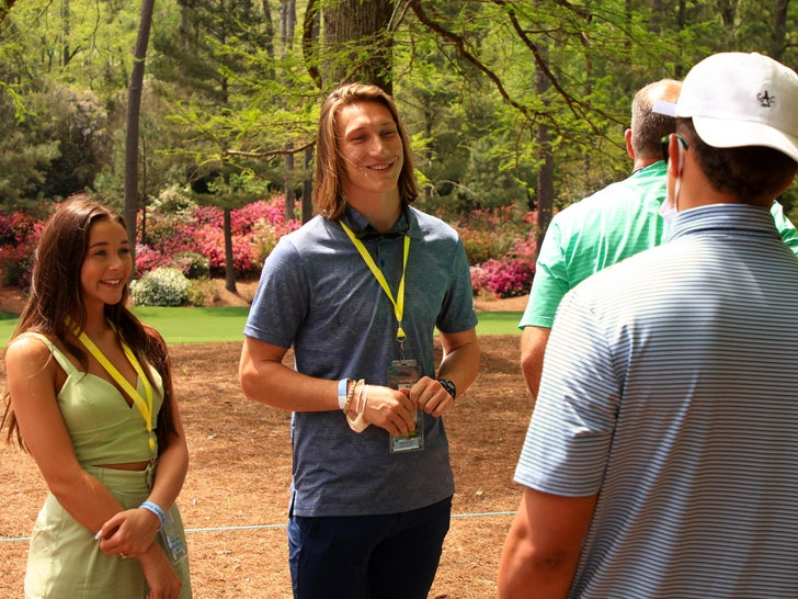 Patrick Mahomes Hangs With Trevor Lawrence At The Masters.jpg