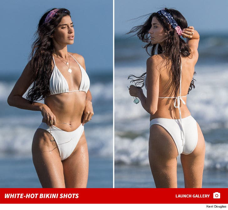 Nicole Williams' White-Hot Bikini Bod