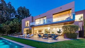 Lakers' Jesse Buss Lists L.A. Mansion For $11 Mil, On LeBron's Street