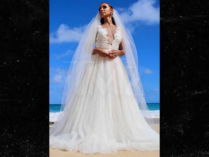 Singer mya married