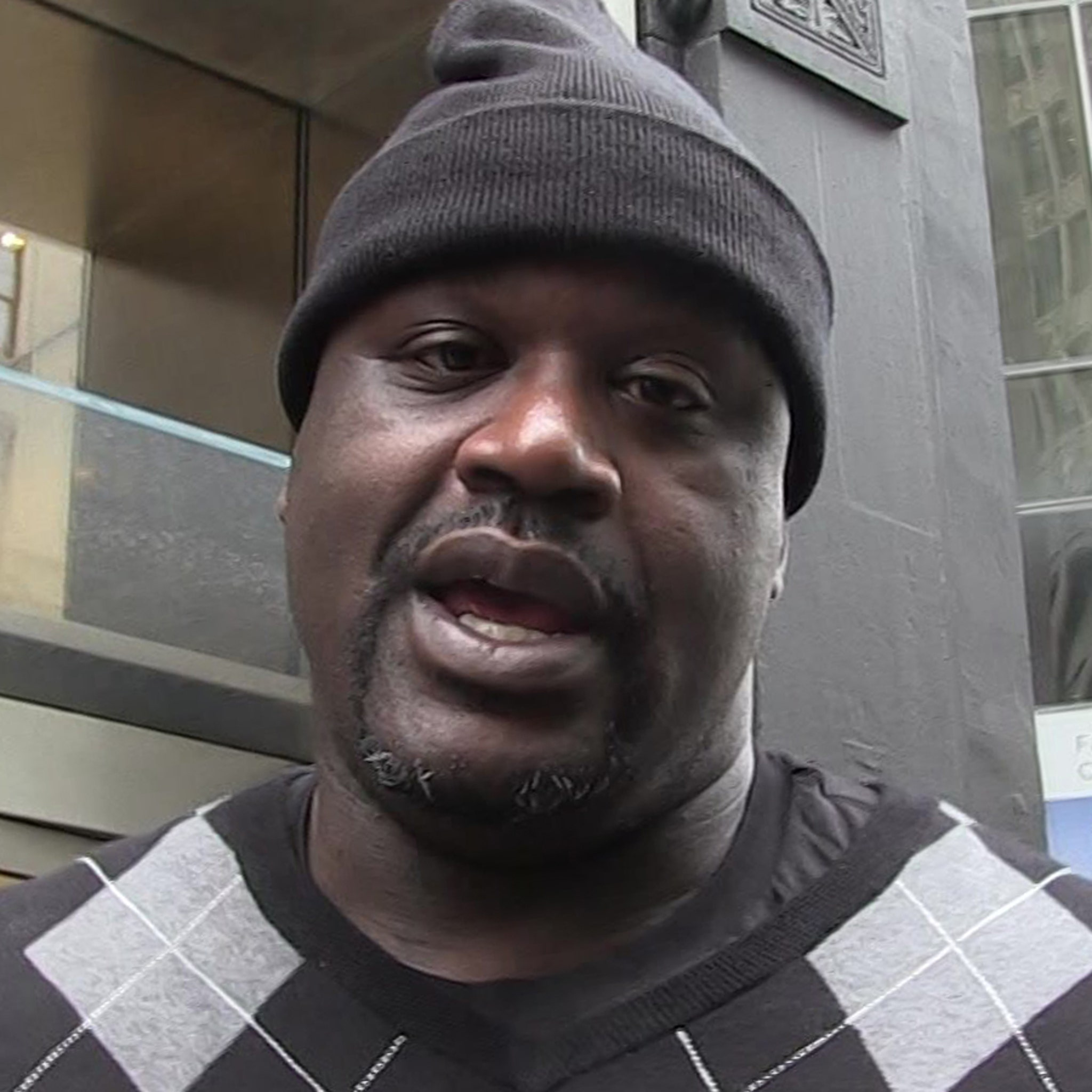 Shaquille O'Neal Paying for Home for Family Of Boy Paralyzed In Shooting