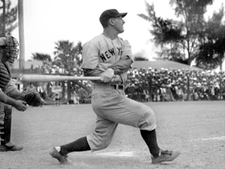 Lou Gehrig On The Field