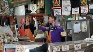 Soccer's Roman Burki Makes 1-Handed Catch at Seattle Fish Market