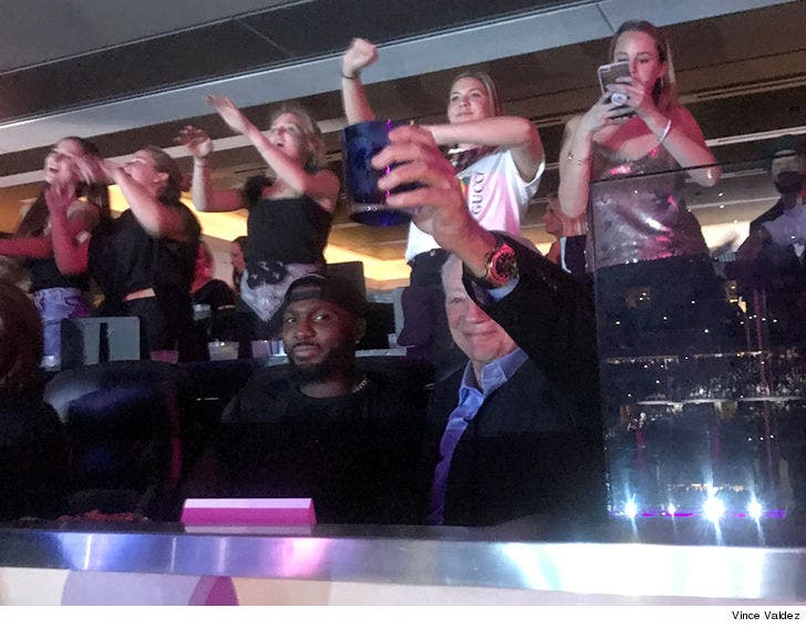 Dez Bryant Hits Beyonce Concert With Jerry Jones We Re Cool