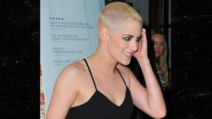 Kristen Stewart Unveiled a New Buzz Cut (PHOTO)