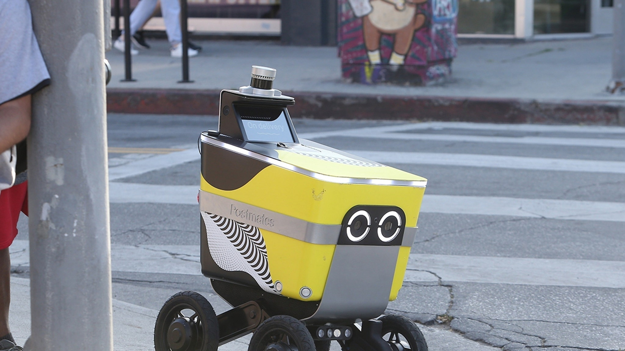 Postmates Delivery Robot 'Serve' Gets New Life in Wake of Coronavirus Pandemic