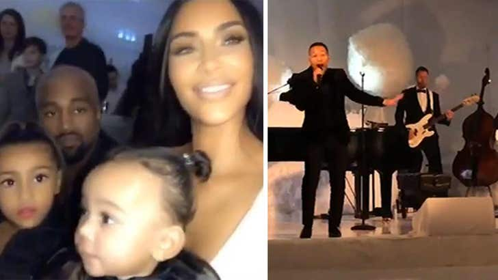 Kim Kardashian Christmas Party 2018.Kim Kardashian And Kanye West Throw Epic Christmas Eve Party