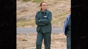 Felicity Huffman Hanging With Inmates in Prison Yard