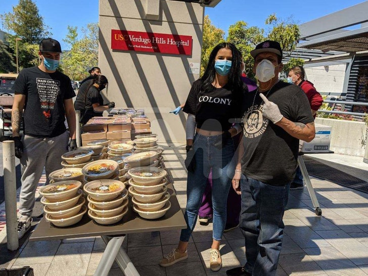 Danny Trejo Donates Hundreds of Meals to L.A. Hospital Workers 2