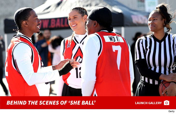 Behind the Scenes of 'She Ball'