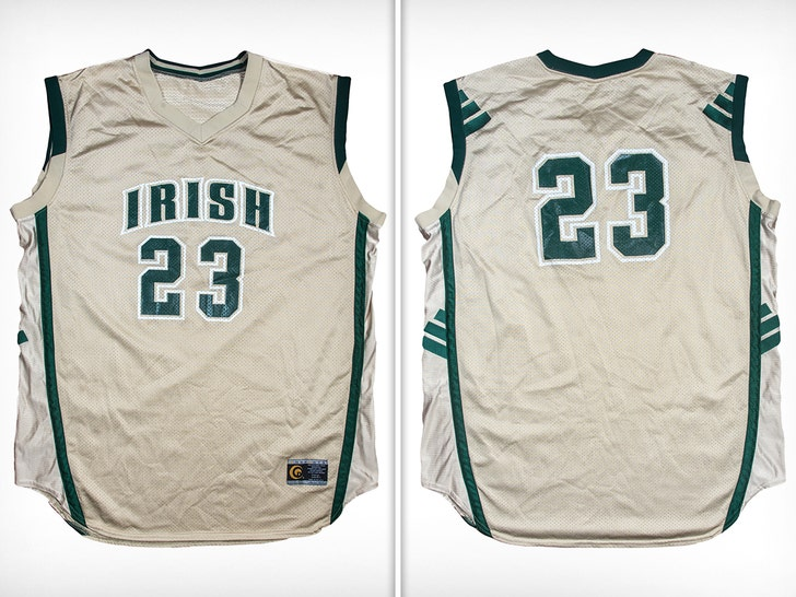the best attitude e646e 9bc16 LeBron James' Jersey From '02 SI Cover Hits Auction Block ...