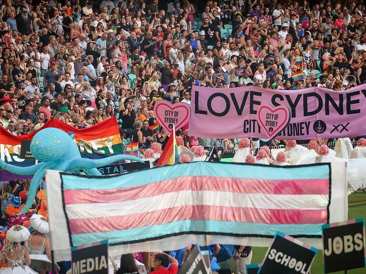 Рита Ора выступает на Марди Гра в Сиднее