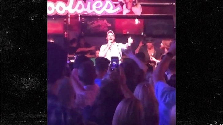 Chris Pratt Sings Garth Brooks and Johnny Cash Songs in Nashville