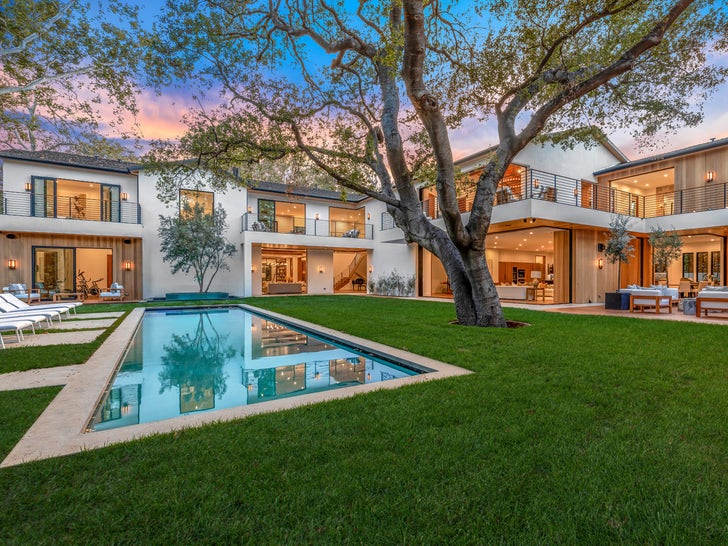 Joe Jonas and Sophie Turner Unload Encino Estate
