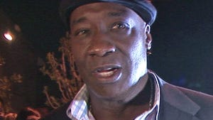 Michael Clarke Duncan's Tomb -- VANDALIZED BY RACIST ... Family Says