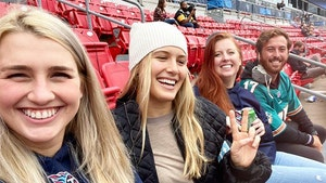 Genie Bouchard Cheers On New Beau Mason Rudolph At Steelers Game