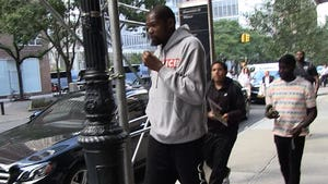 Kevin Durant Showing No Signs Of Limp 3 Months After Achilles Surgery
