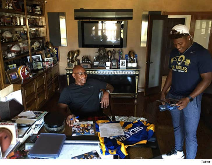 Eric Dickerson Jared Goff Rams Chill At E D S House Get Rookie Lecture