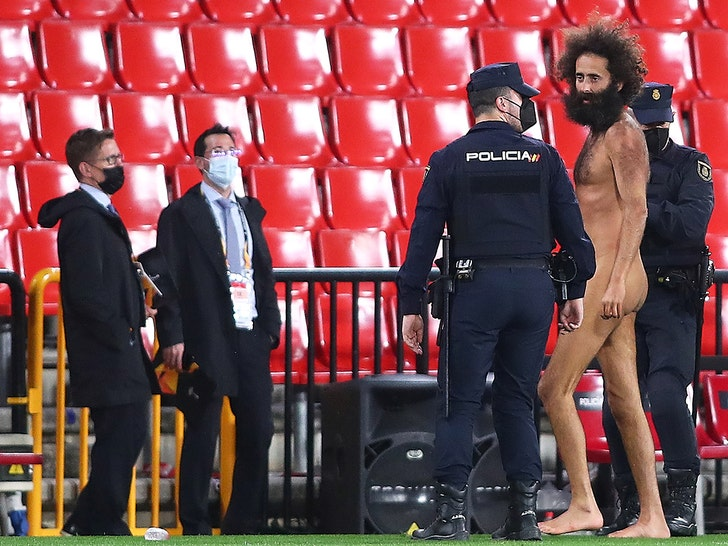 Naked Streaker Went Dong Out at Manchester United Game, Hid at Stadium for 14 Hours!.jpg