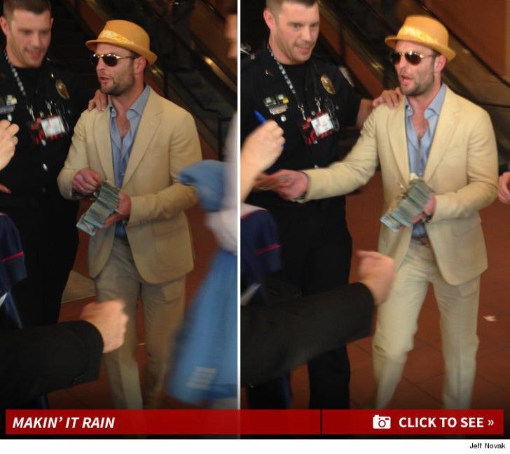 Wes Welker -- PASSIN' OUT $100 BILLS ... After Huge Kentucky Derby Victory