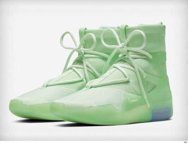 buy online a99d2 6e610 LeBron James Rocks Sick Unreleased Nike Fear of God Shoes
