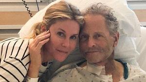Ex-Fleetwood Mac Guitarist Lindsey Buckingham Has Open Heart Surgery