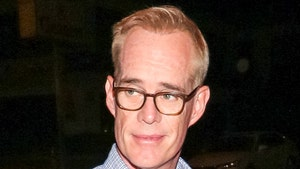 Joe Buck Says People Keep Asking Him To Narrate Their Sex Tapes