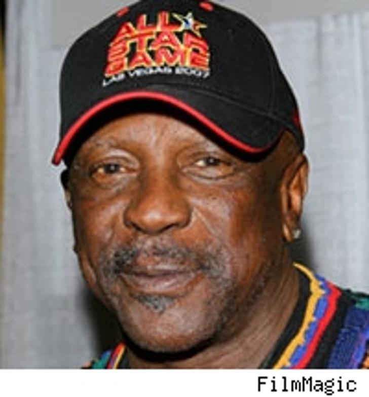 Louis Gossett Jr. -- Deadbeat Lakers Fan?