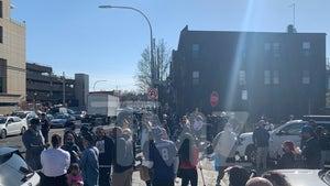 DMX's Fiancee, Ex-Wife, Kids Among Hundreds at Hospital Prayer Vigil