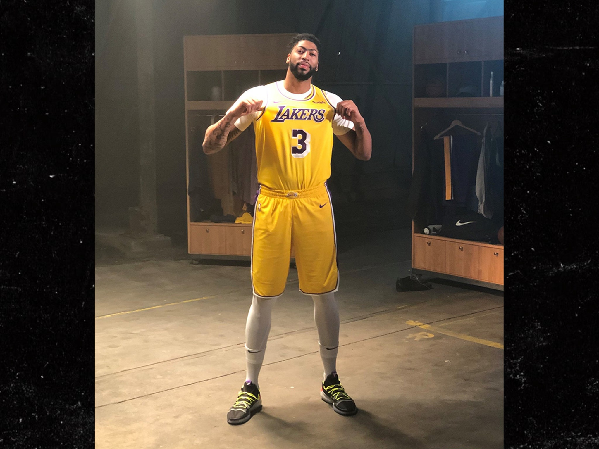 Anthony Davis Rocks Full Lakers Uni For First Time, Just Not #23 Yet