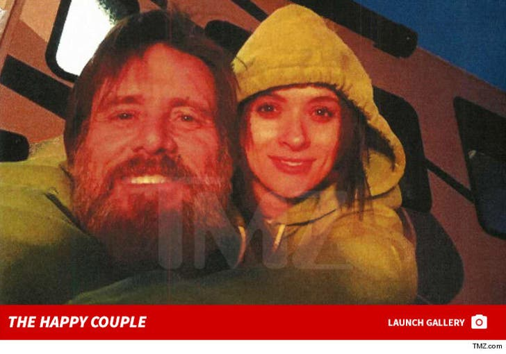 Jim Carrey Cathriona White -- The Happy Couple