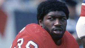 Ex-USC, Patriots Star Sam 'Bam' Cunningham Dead At 71