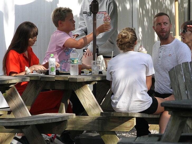 Chris Martin and Dakota Johnson Back Together in the Hamptons